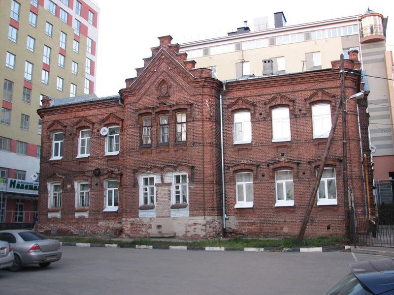 arestniy-dom-nizhegorodskoy-upravi-1